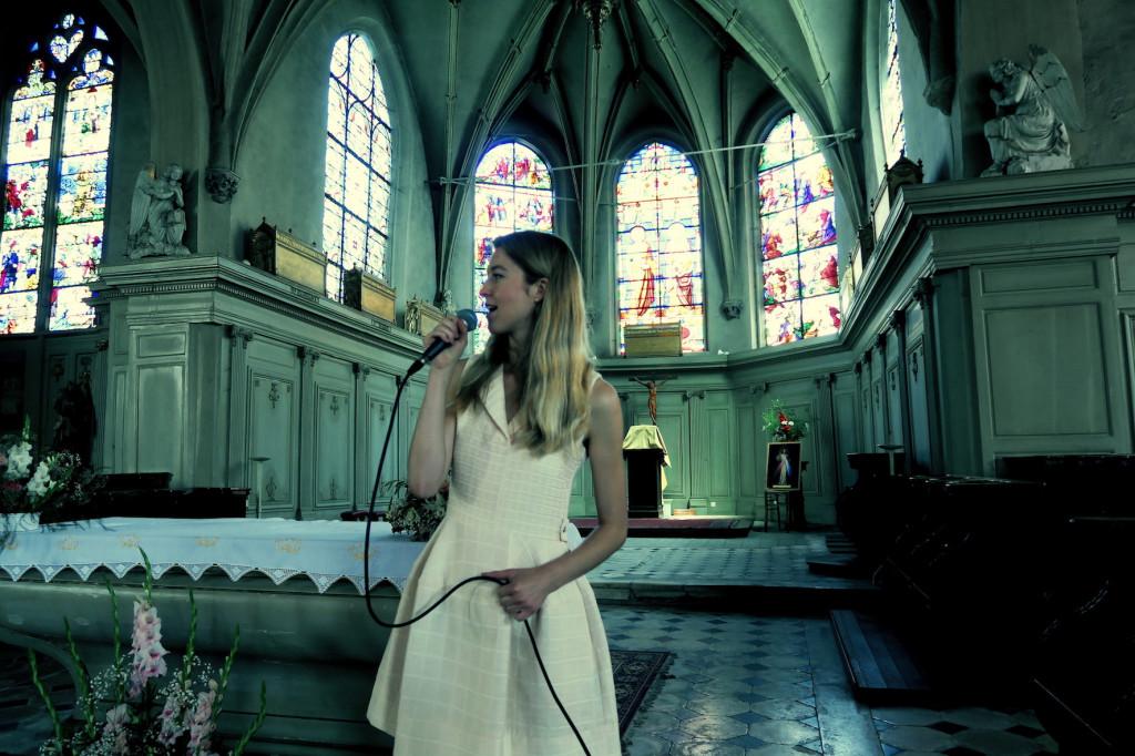 chanteuse & pianiste pour animation de messe de mariage liturgique & gospel •chant de messe • chant d'église •musique pour cérémonie • Calvados Manche Eure Orne Seine Maritime